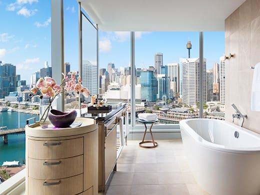 best-luxury-hotel-sydney-darling-harbour