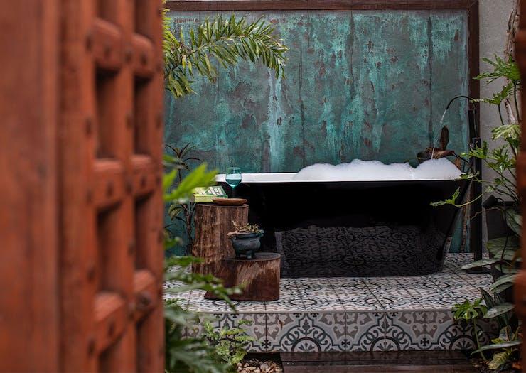 an outdoor bath in a courtyard