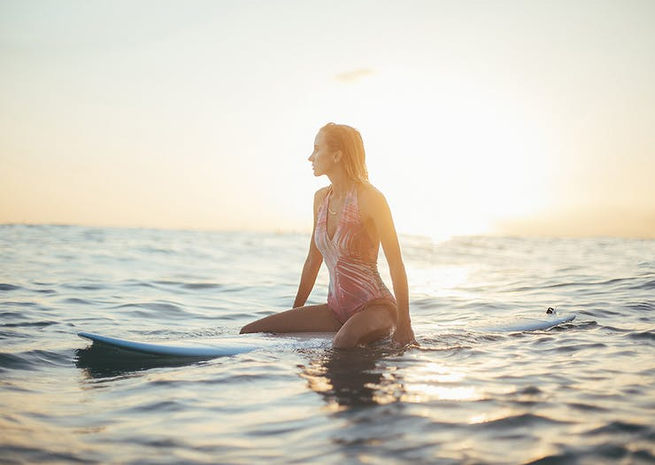 The 5 Best Places You Can Learn To Surf In And Around Auckland
