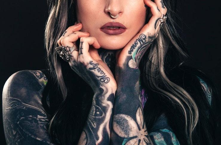 Her erotic tattooing adventure