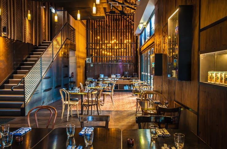 Sydney Restaurants That Can Fit  People