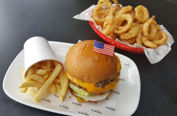the-merrywell-free-burgers