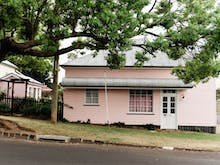 Spend A Cosy Weekend Away In This Stunning Pink Cottage Airbnb In Toowoomba