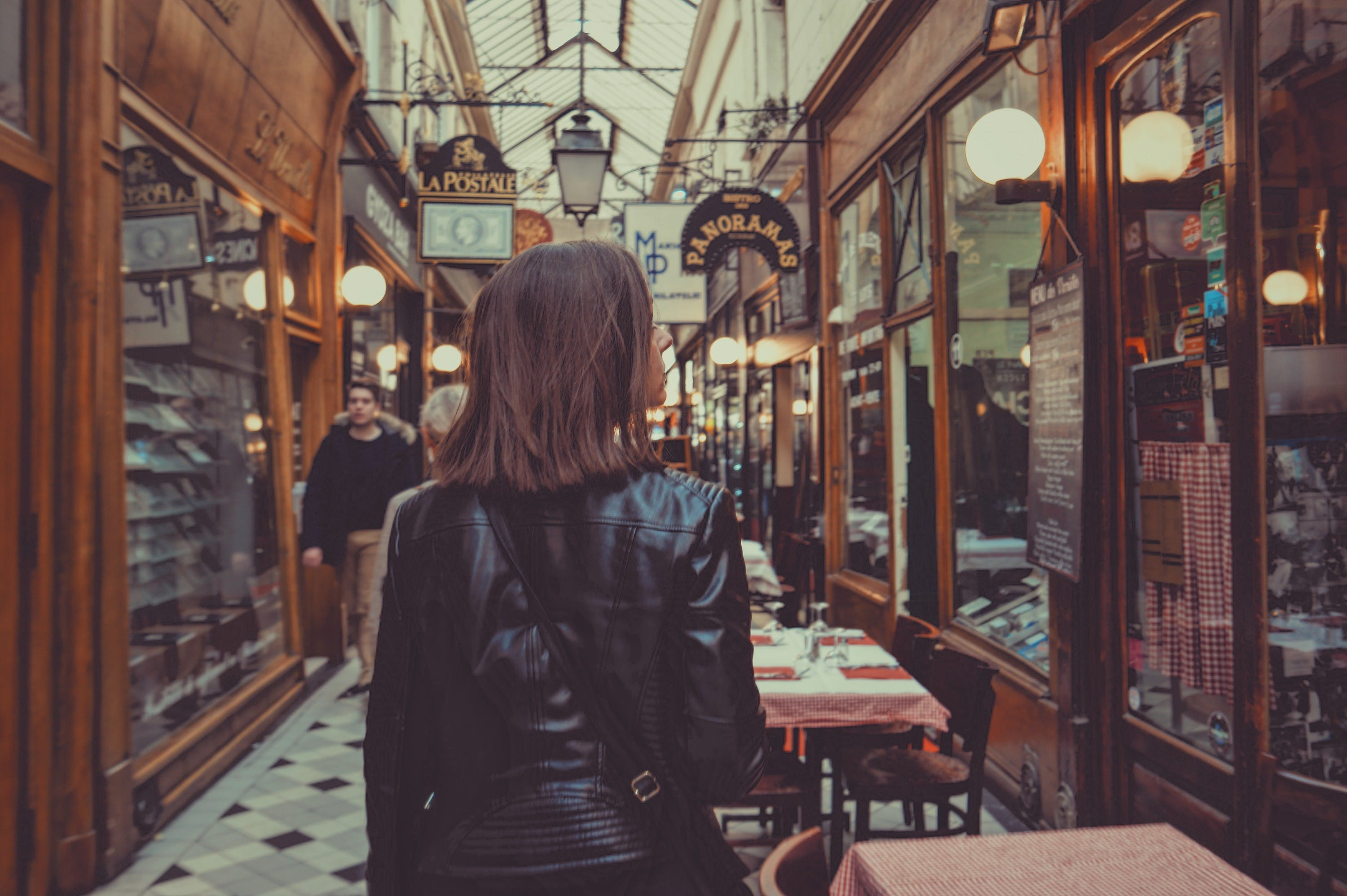 7 Ways To Tackle The City Of Love Solo