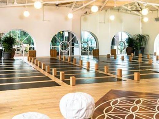 TRUE Food & Yoga | Studio