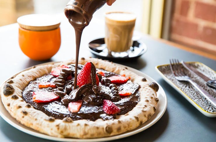 vegan-nutella-pizza