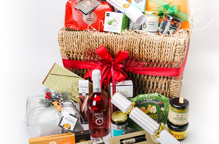 Image of christmas gift hampers nz corporate gifts customised real easter gift baskets negle