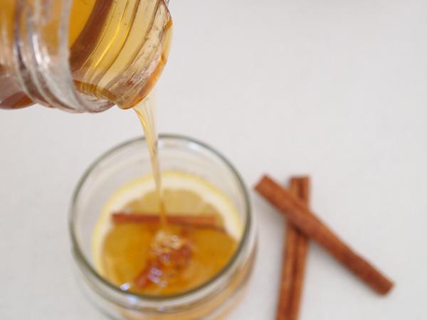 Christmas-Gift-Ideas-Cinnamon-spiced-honey