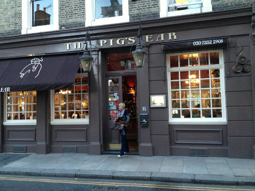 Pig's Ear Pub Chelsea, London