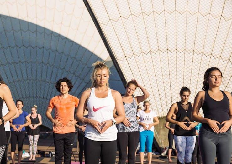 yoga-opera-house-sydney