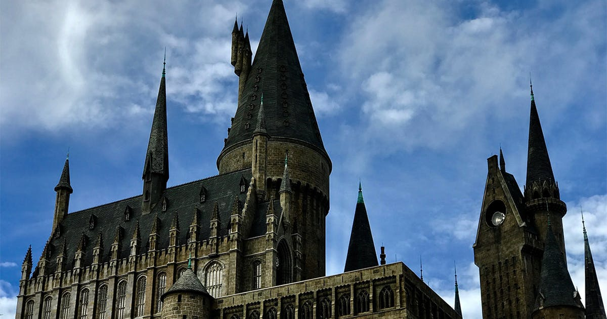Pack Your Bags You Can Officially Spend Halloween At Hogwarts