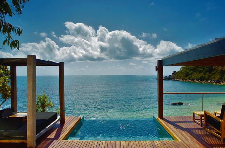 plunge pool overlooking beach