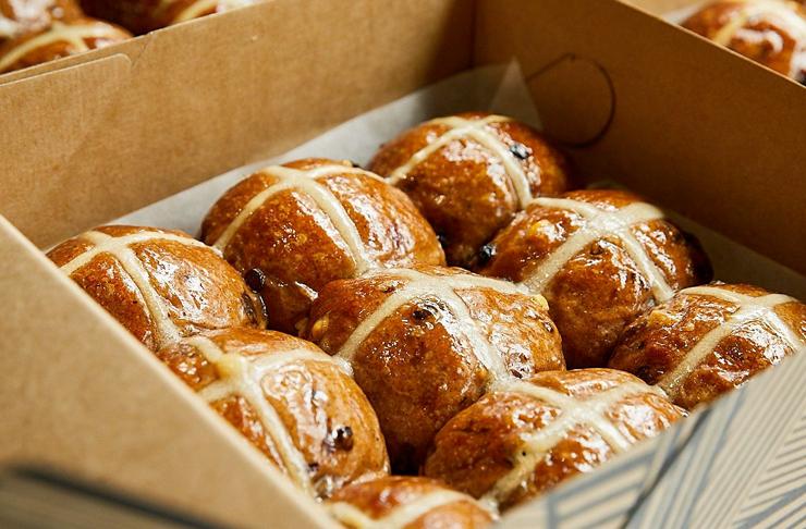 hot cross buns in a box