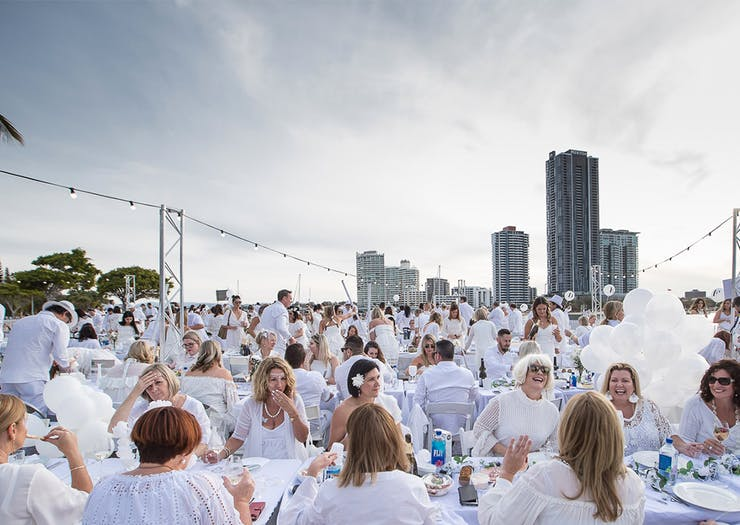 Diner En Blanc Is Returning To The Gold Coast So Dry Clean Your Whites