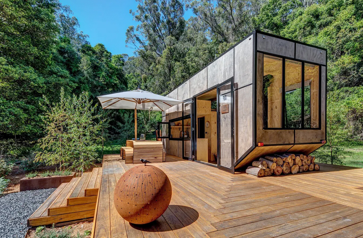luxury tiny home in the bush