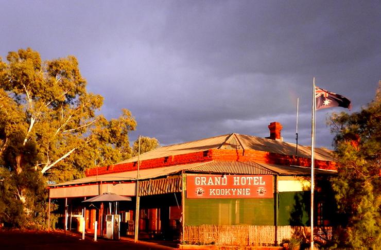 grand hotel in western australia