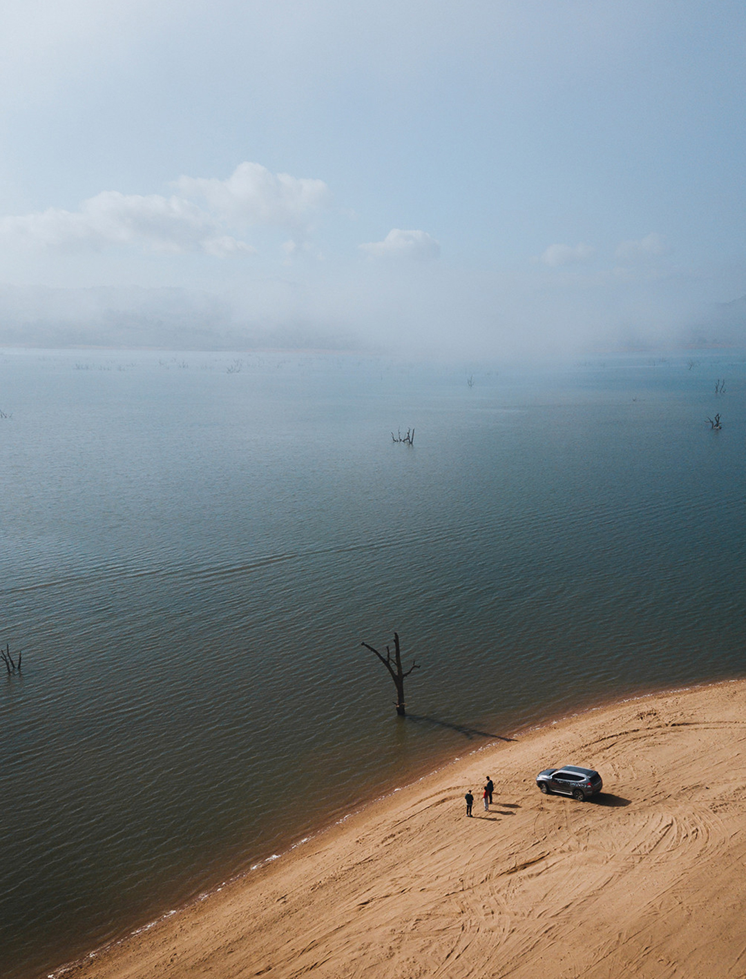aerial of 4wd on lake hume