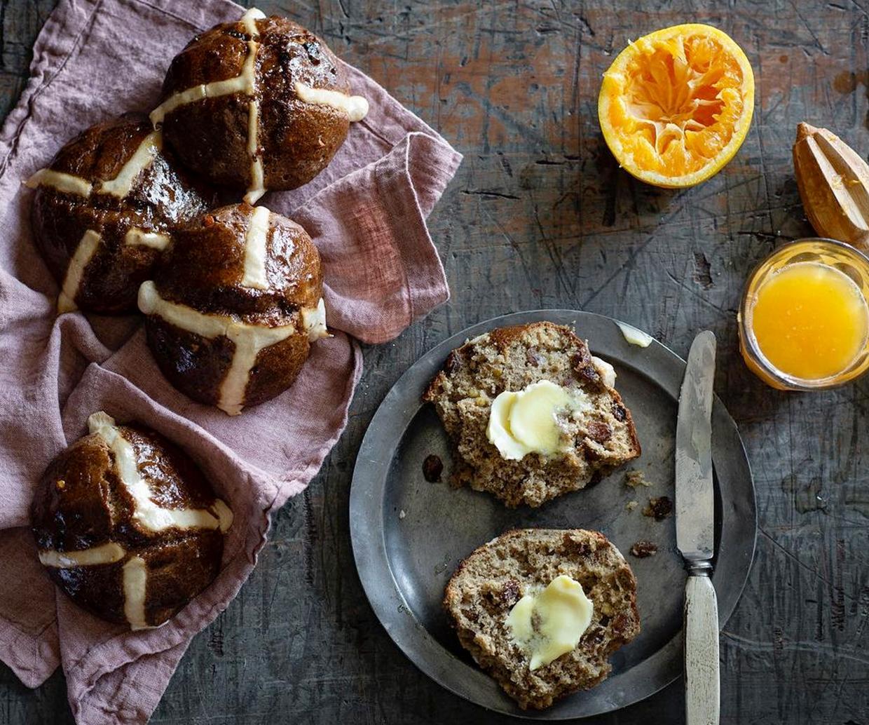 hot cross buns and butter