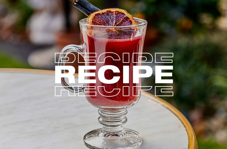 mulled wine with word 'recipe' on top