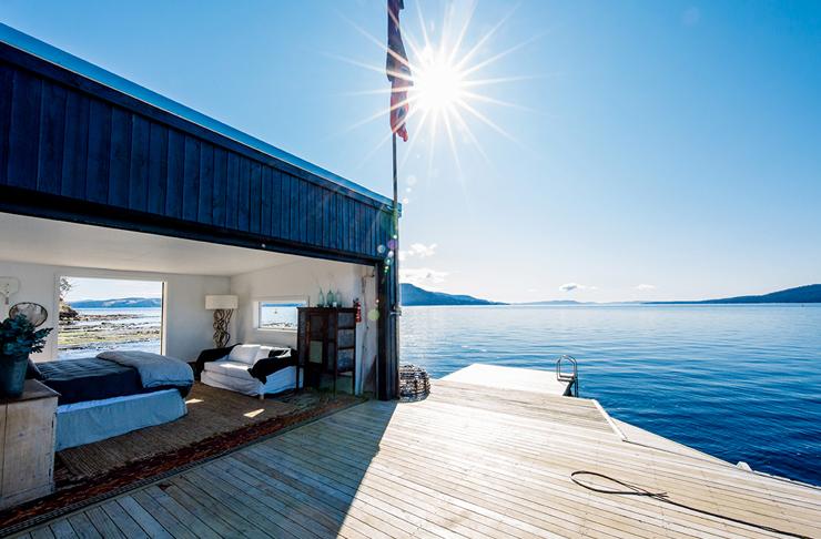 boathouse on lake in tasmania