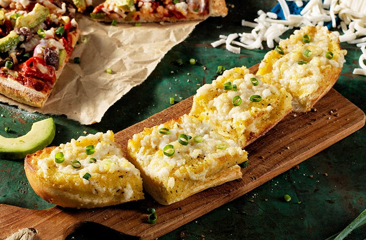dominos-vegan-garlic-bread